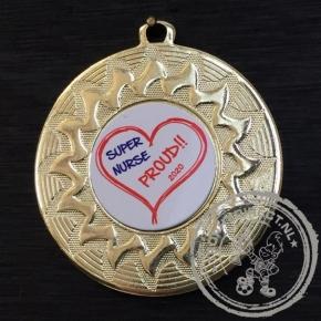 Super Nurse PROUD Medaille goud met gravering of label